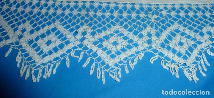 Antigüedades: Sábana,funda de almohada y 2 almohadones de lino con encaje de bolillos. - Foto 8 - 171151422