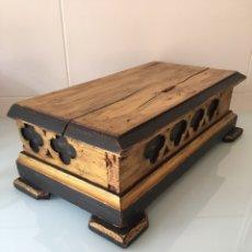 Antigüedades: LIMOSNERO RELIGIOSO O CEPILLO DE MADERA. Lote 171163365