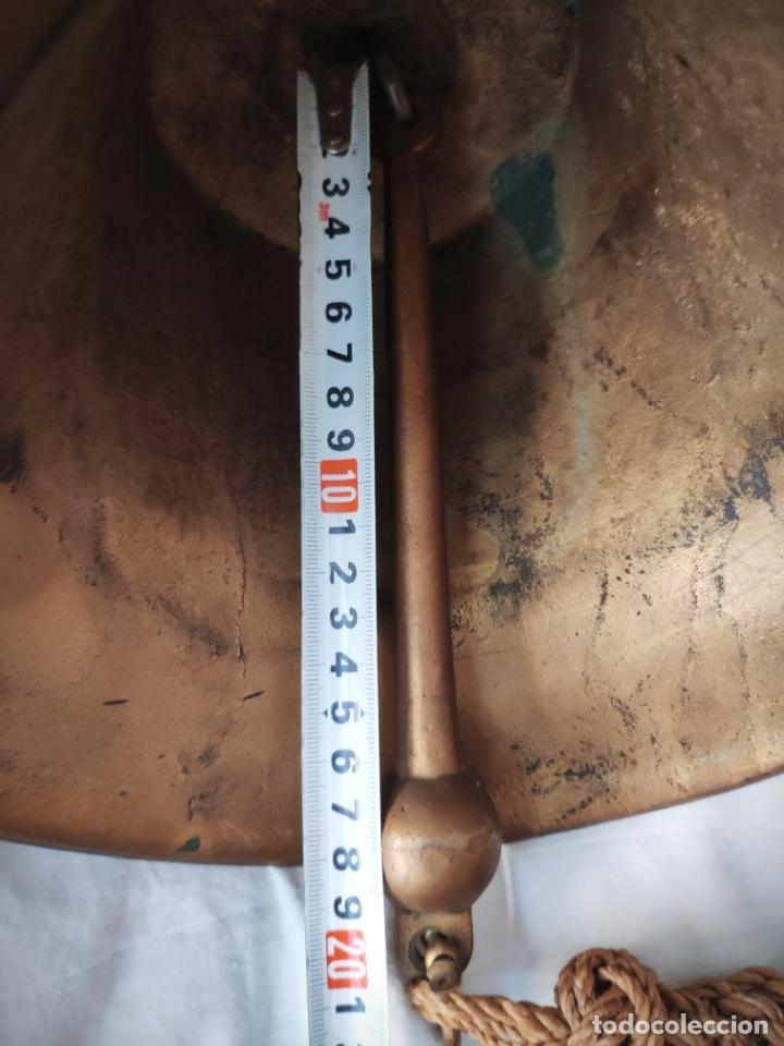 Antigüedades: GRAN CAMPANA ESCUDO RELIEVE HAMBURG - 3,7 KILOS 20 CM ALTURA X 22 DIAMETRO - BRONCE Ó LATON HAMBURGO - Foto 5 - 171201950