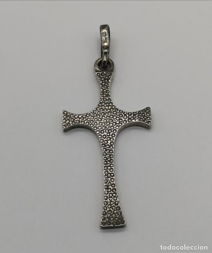 Antigüedades: Gran cruz antigua de diseño original en plata de ley contrastada . - Foto 5 - 171213539