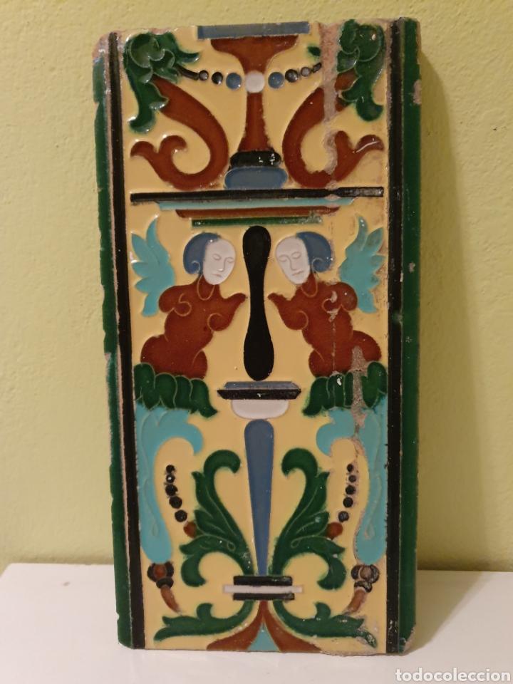 PRECIOSO AZULEJO FABRICADO POR MENSAQUE S.XIX (Antigüedades - Porcelanas y Cerámicas - Triana)