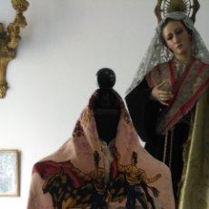 Antigüedades: MANTON MANTOCILLO ESTAMPADO BROCADO SEDINA CON MOTIVOS TAURINOS, TORO TORERO - 140 CM + FLECOS -. Lote 171261657