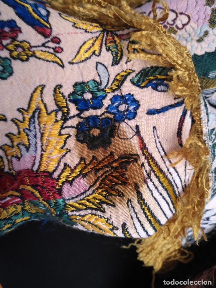 Antigüedades: manton mantocillo estampado brocado sedina con motivos taurinos, toro torero - 140 cm + flecos - - Foto 6 - 171261657