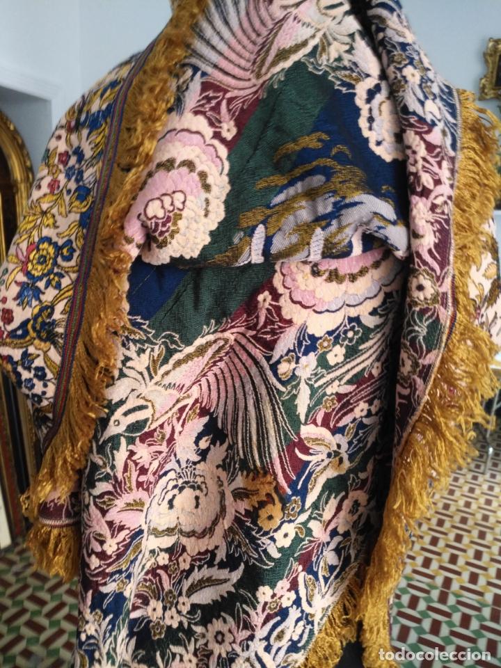 Antigüedades: manton mantocillo estampado brocado sedina con motivos taurinos, toro torero - 140 cm + flecos - - Foto 7 - 171261657