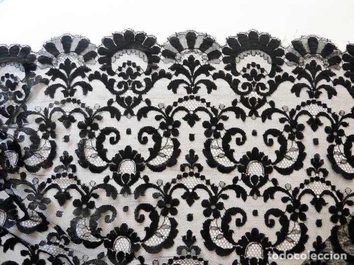 Antigüedades: Precioso mantón, mantilla para procesión, bodas. Totalmente bordada a mano - Foto 4 - 171266463