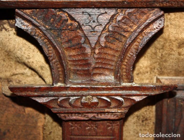Antigüedades: INTERESANTE ARCON COLONIAL DEL SIGLO XIX EN MADERA TALLADA Y DECORACIONES METALICAS Y RELIQUIAS - Foto 14 - 171329960