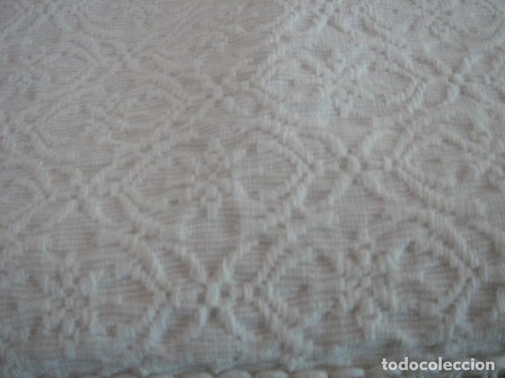 Antigüedades: colcha de pique brocado mide 240 por 210 nueva - Foto 13 - 171341350