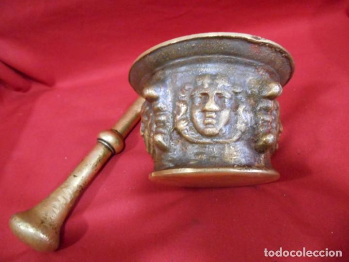Antigüedades: ALMIREZ DE BRONCE CON RELIEVES DE CARAS Y COSTILLAS - SIGLO XVIII / XIX - - Foto 6 - 171346892