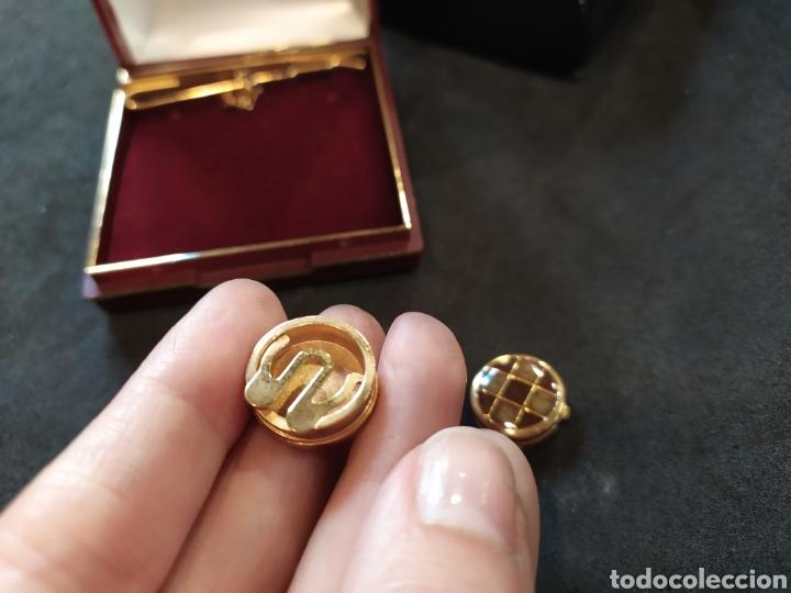 Antigüedades: Cubre botones y alfiler de corbata. Esmaltado y dorado - Foto 6 - 171350165