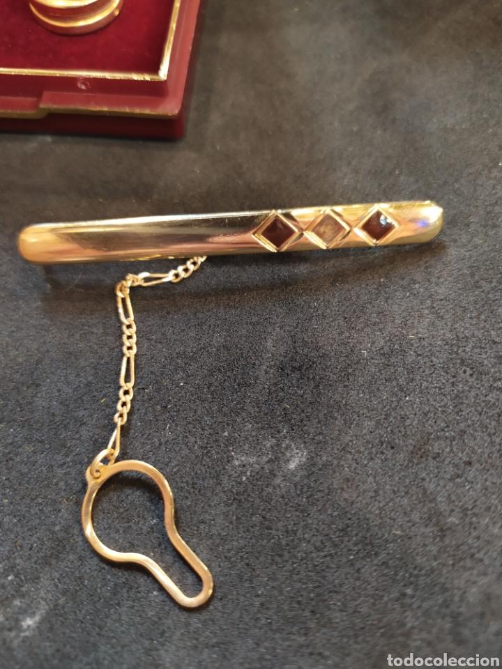 Antigüedades: Cubre botones y alfiler de corbata. Esmaltado y dorado - Foto 2 - 171350165