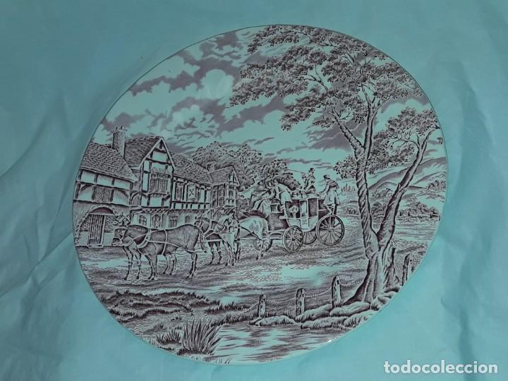 BELLO PLATO PORCELANA INGLESA MYOTT ROYAL MAIL DECORACIÓN ROJA SELLADO EN LA BASE (Antigüedades - Porcelanas y Cerámicas - Inglesa, Bristol y Otros)