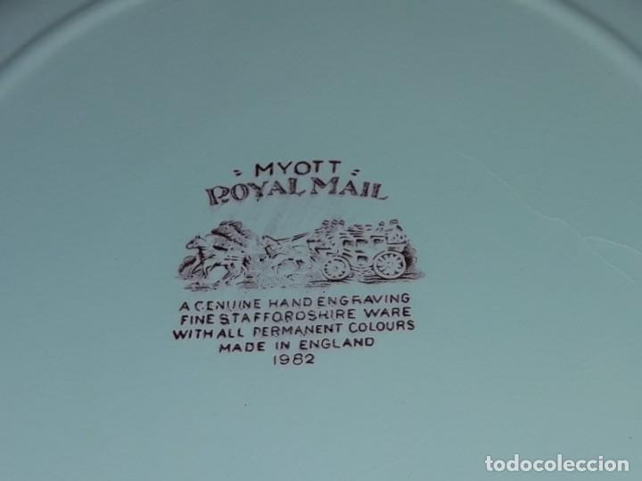 Antigüedades: Bello plato porcelana Inglesa Myott Royal Mail decoración roja sellado en la base - Foto 7 - 171374942