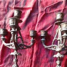Antigüedades: CANDELABROS. PAREJA. ORIGINAL AÑOS 20.. Lote 171377349
