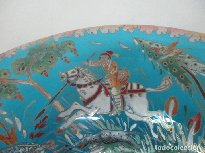 Antigüedades: Bonito Centro de Mesa - Cristal Azul Esmaltado - Firma Royo - Pintado a Mano - 36 cm Diámetro - Foto 5 - 171441743