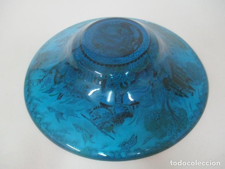 Antigüedades: Bonito Centro de Mesa - Cristal Azul Esmaltado - Firma Royo - Pintado a Mano - 36 cm Diámetro - Foto 13 - 171441743