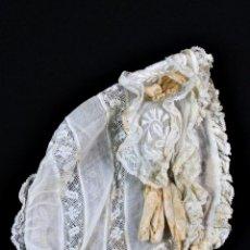 Antigüedades: 200A GORRO ANTIGUO DE BEBÉ BORDADO A MANO. PPS DEL S XX IDEAL MUÑECAS. Lote 171485608