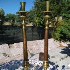 Antigüedades: CANDELABROS DE IGLESIA GRANDES. Lote 171486698