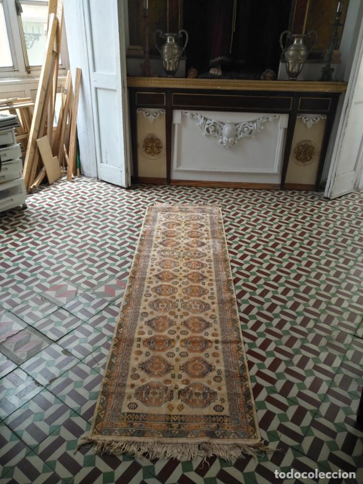 Antigüedades: gran alfombra larga tipo tapiz - pasillo escalera .... 225x67 cm + los flecos - Foto 2 - 171501378