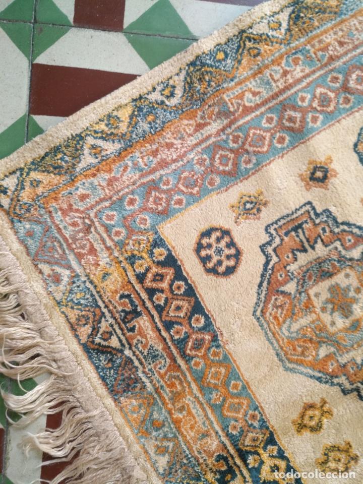 Antigüedades: gran alfombra larga tipo tapiz - pasillo escalera .... 225x67 cm + los flecos - Foto 3 - 171501378