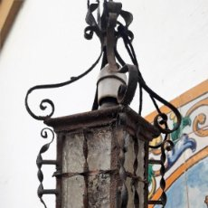 Antigüedades: FAROLILLO DE FORJA ARTÍSTICA SEVILLANA DE 1920.. Lote 171528687