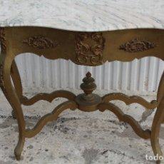 Antigüedades: CONSOLA ANTIGUA EN MADERA DORADA CON TABLERO DE MARMOL. Lote 171568865