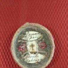 Antigüedades: ANTIGUO RELICARIO AGNUS DEI MONTE CALVARIO 3,50 X 3 X 0,50 CM. Lote 171589962