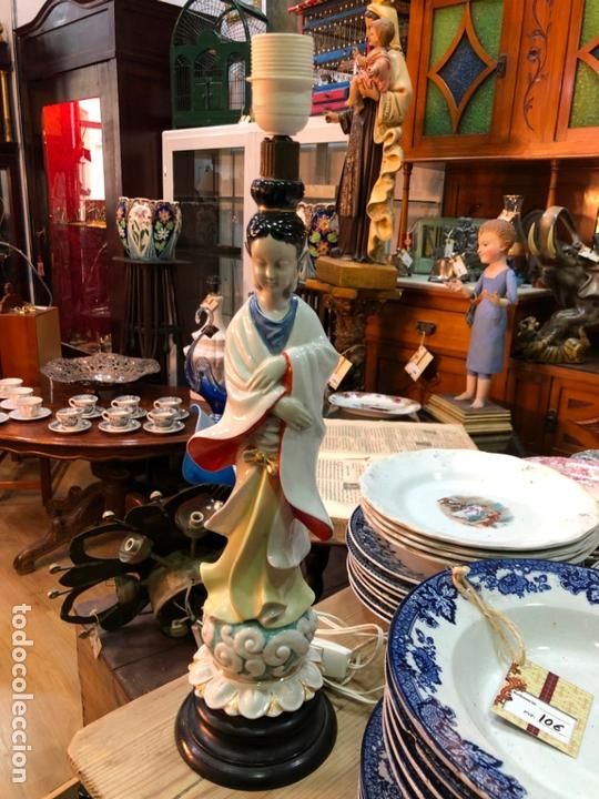FANTASTICA LAMPARA CERAMICA MANISES MODELO ORIENTAL CHINA - MEDIDA 53 CM (Antigüedades - Porcelanas y Cerámicas - Manises)
