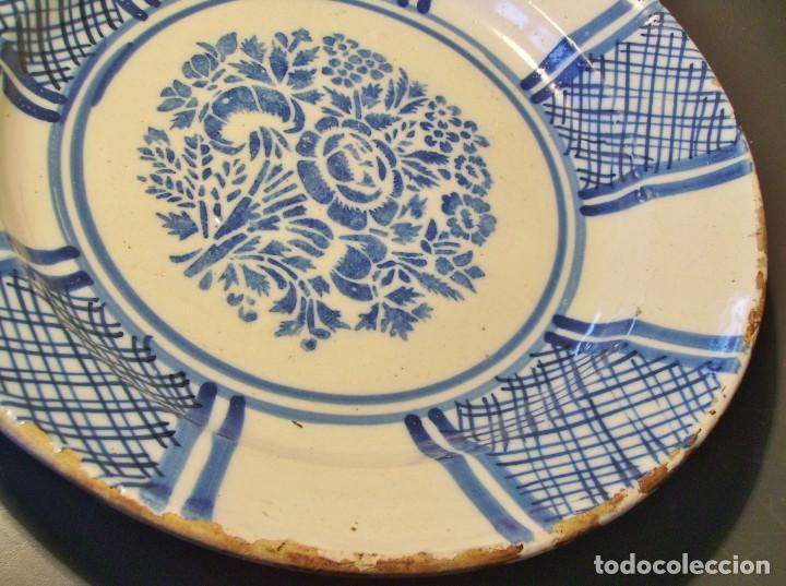 Antigüedades: GRAN PLATO CERÁMICA DE TRIANA XIX - Foto 5 - 171626644