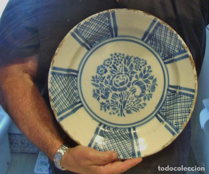 Antigüedades: GRAN PLATO CERÁMICA DE TRIANA XIX - Foto 14 - 171626644