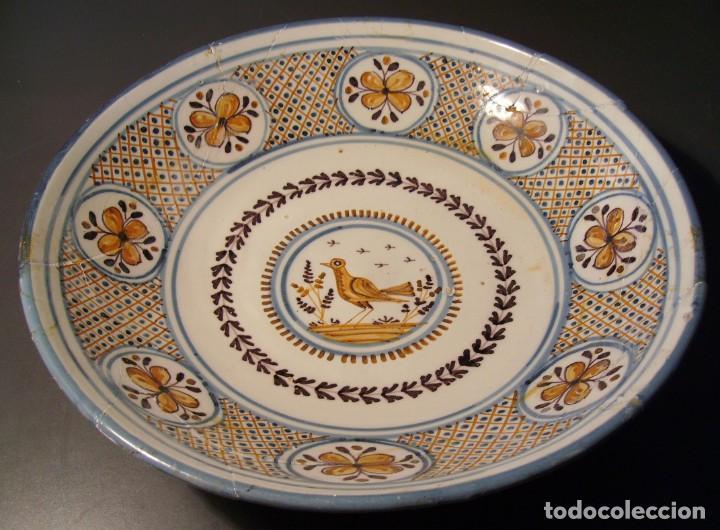 Antigüedades: GRAN PLATO CERÁMICA DE TALAVERA XIX - Foto 2 - 171627850