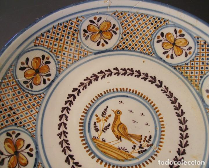 Antigüedades: GRAN PLATO CERÁMICA DE TALAVERA XIX - Foto 3 - 171627850