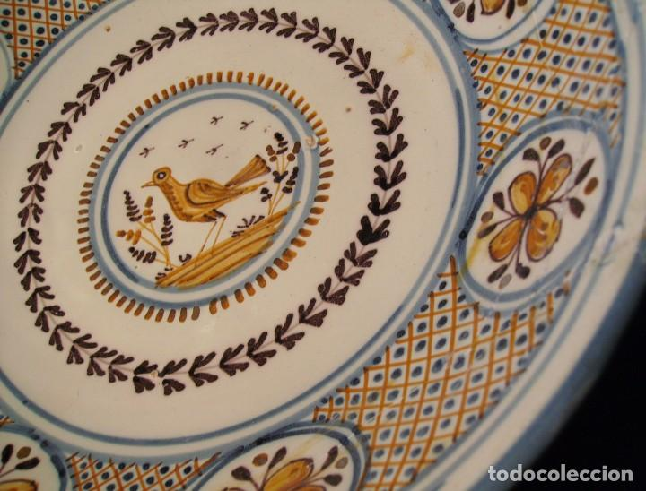 Antigüedades: GRAN PLATO CERÁMICA DE TALAVERA XIX - Foto 12 - 171627850