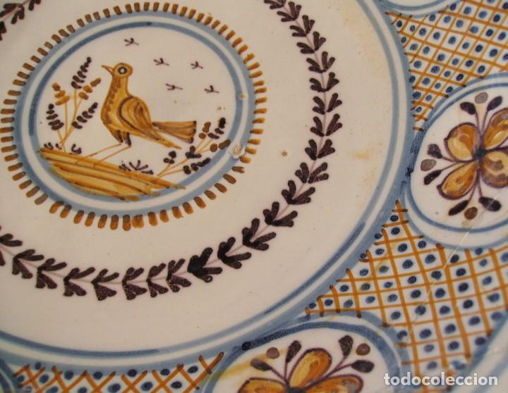 Antigüedades: GRAN PLATO CERÁMICA DE TALAVERA XIX - Foto 13 - 171627850