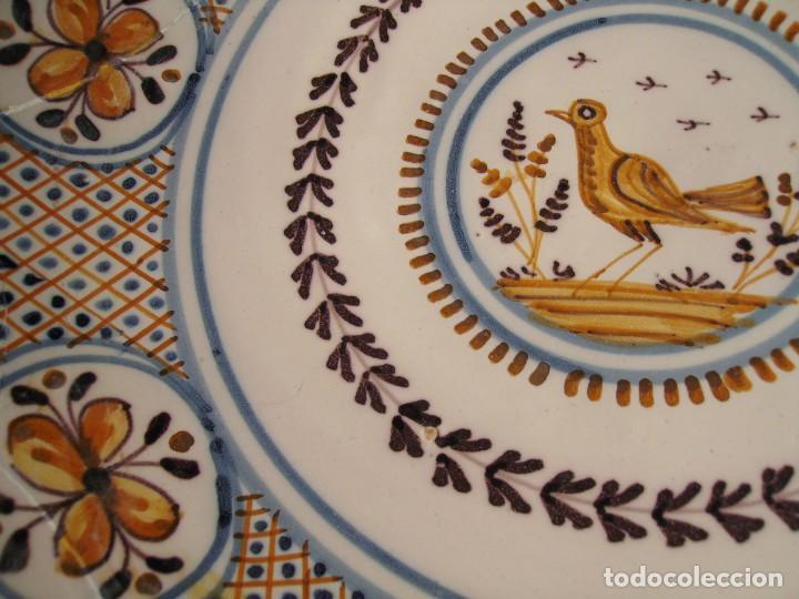 Antigüedades: GRAN PLATO CERÁMICA DE TALAVERA XIX - Foto 14 - 171627850