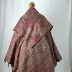 Antigüedades: ANTIGUO MANTÓN DE OCHO PUNTAS. CAPUCHA. Lote 171661208