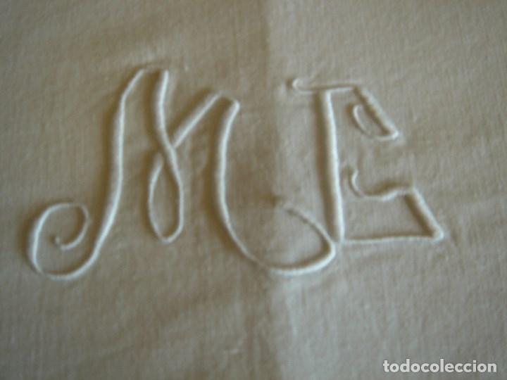 Antigüedades: sabana de lino fino 240 por 186 bordada a mano - Foto 2 - 171701482
