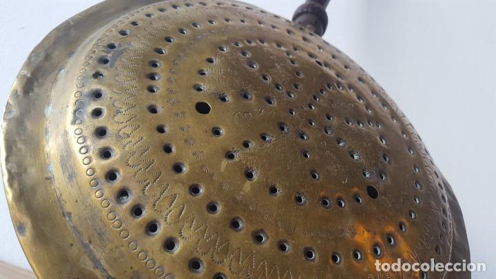 Antigüedades: CALIENTACAMA BRONCE MANGO MADERA TORNEADA - Foto 3 - 171701958