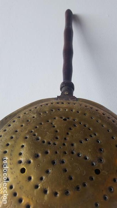 Antigüedades: CALIENTACAMA BRONCE MANGO MADERA TORNEADA - Foto 5 - 171701958