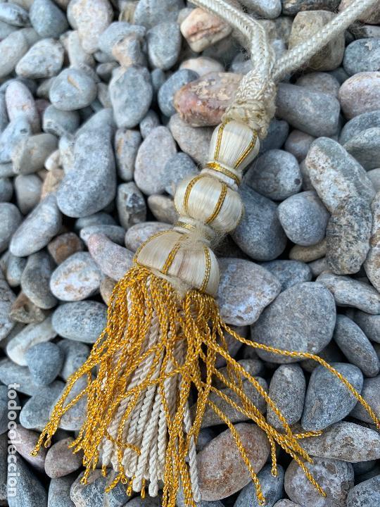 Antigüedades: Espectacular cuello para dalmatica de tejido adamascado y brocado con hilo de plata - Foto 4 - 171706458