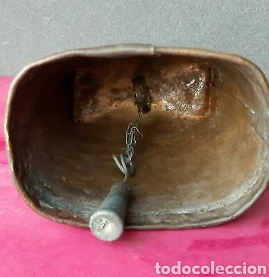 Antigüedades: Cencerro antiguo 16 cm x 12 cm decorado - Foto 3 - 171723184