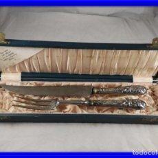 Antigüedades: CUBIERTOS ANTIGUOS DE TRINCHAR CARNE CON MANGOS DE PLATA MODERNISTAS. Lote 171748794