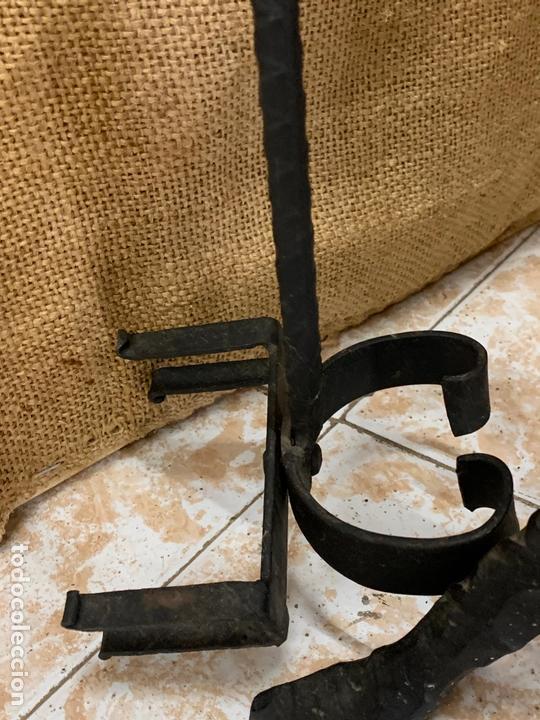 Antigüedades: Excepcional juego de utiles para la chimenea en forja realizada a mano, cabezas de dragon. - Foto 11 - 171760363