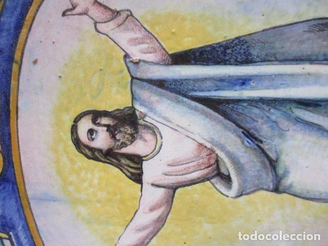 Antigüedades: Plato ceramica Triana Cristo salvador (hijos de Jose Mensaque) firmado - Foto 2 - 171782694