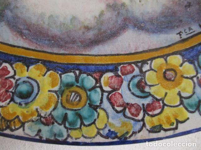 Antigüedades: Plato ceramica Triana Cristo salvador (hijos de Jose Mensaque) firmado - Foto 4 - 171782694