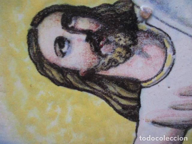 Antigüedades: Plato ceramica Triana Cristo salvador (hijos de Jose Mensaque) firmado - Foto 7 - 171782694
