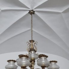 Antigüedades: LAMPARA TECHO ANTIGUA GRANDE ARAÑA CON TULIPAS CRISTAL. Lote 171784580