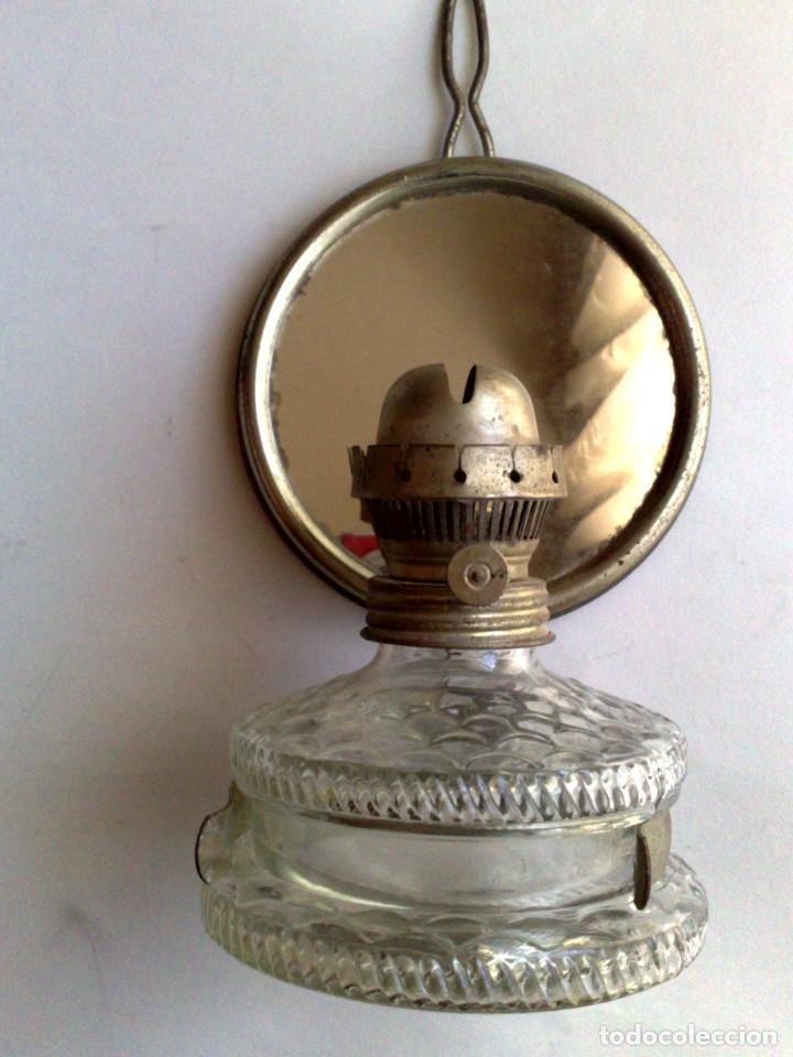Antigüedades: ANTIGUA LÁMPARA DE ACEITE,RECIPIENTE DE CRISTAL,CON SOPORTE METÁLICO CON ESPEJO (DESCRIPCIÓN) - Foto 6 - 171786149