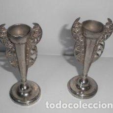Antigüedades: JARRONES DE METAL - FLOREROS - VIOLETEROS. Lote 171807998