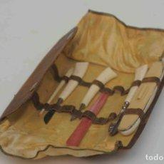 Antigüedades: ESTUCHE MANICURA ANTIGUO HUESO O MARFIL. Lote 171974068