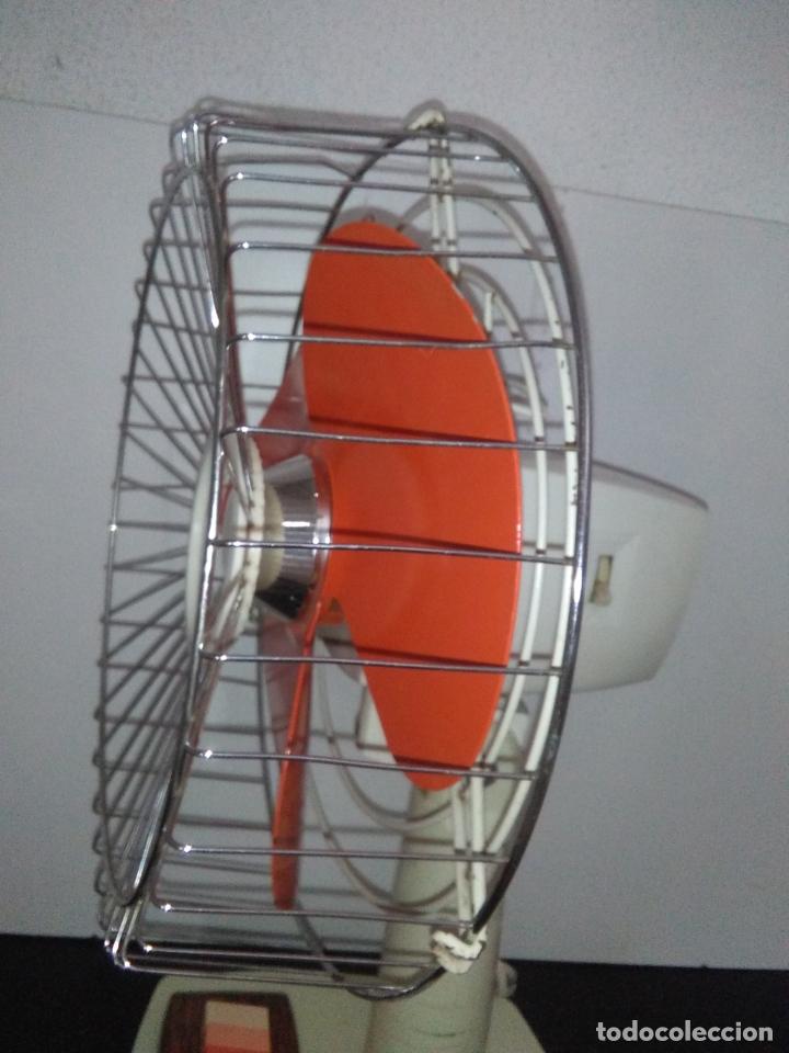 Antigüedades: Ventilador de sobremesa Jet 12 Blanco y naranja 3 velocidades vintage - Foto 23 - 172011433